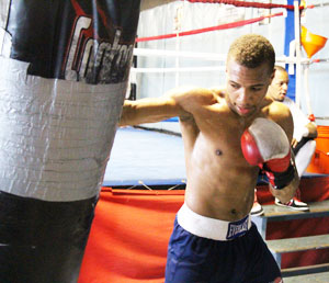 Philly boxing history april 18 2013 damon allen jr for Domon boxing day